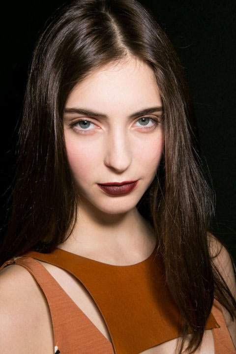 make-up-trends-2016-dark-lips-emporio-armani