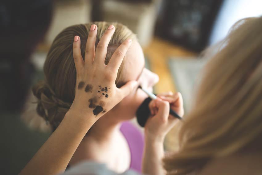 visagistin fuer makeup buchen