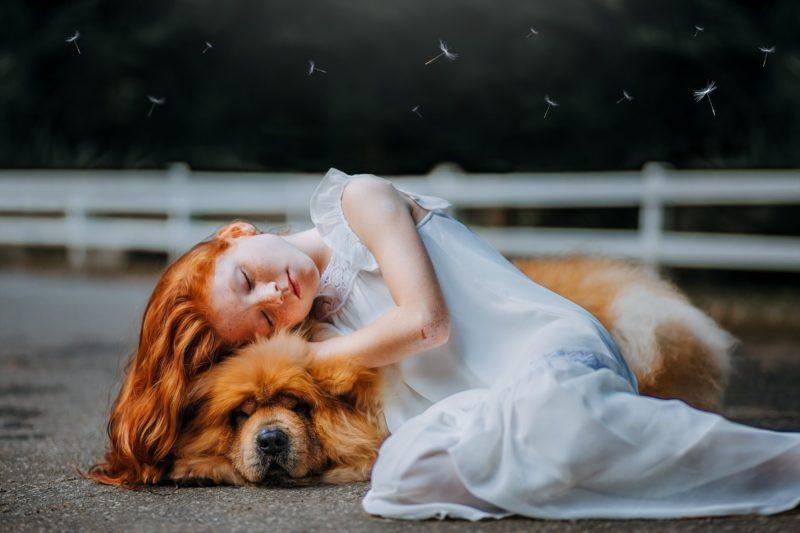 Tierfotografie Mädchen mit Hund