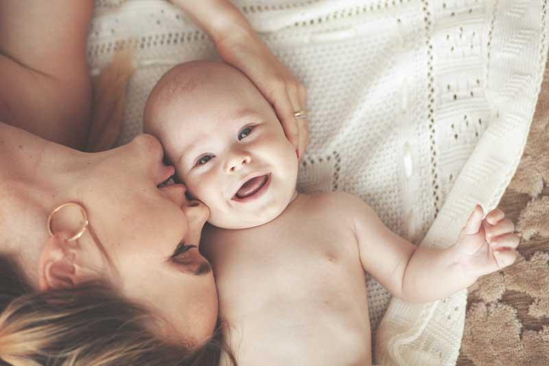 neugeborenenshooting mutter baby