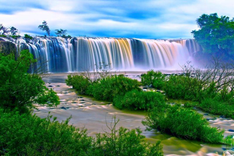 Wasserfall mit langer Belichtungszeit