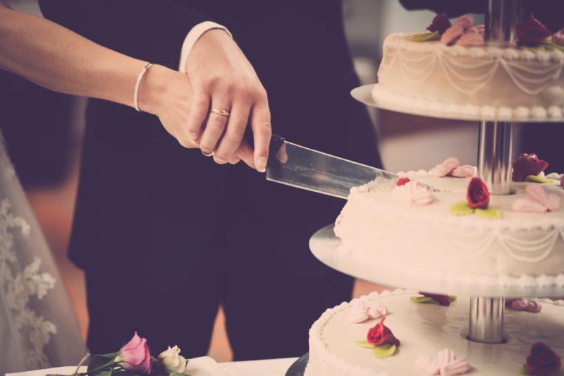 Hochzeitsfotografie Checkliste Kuchen anschneiden