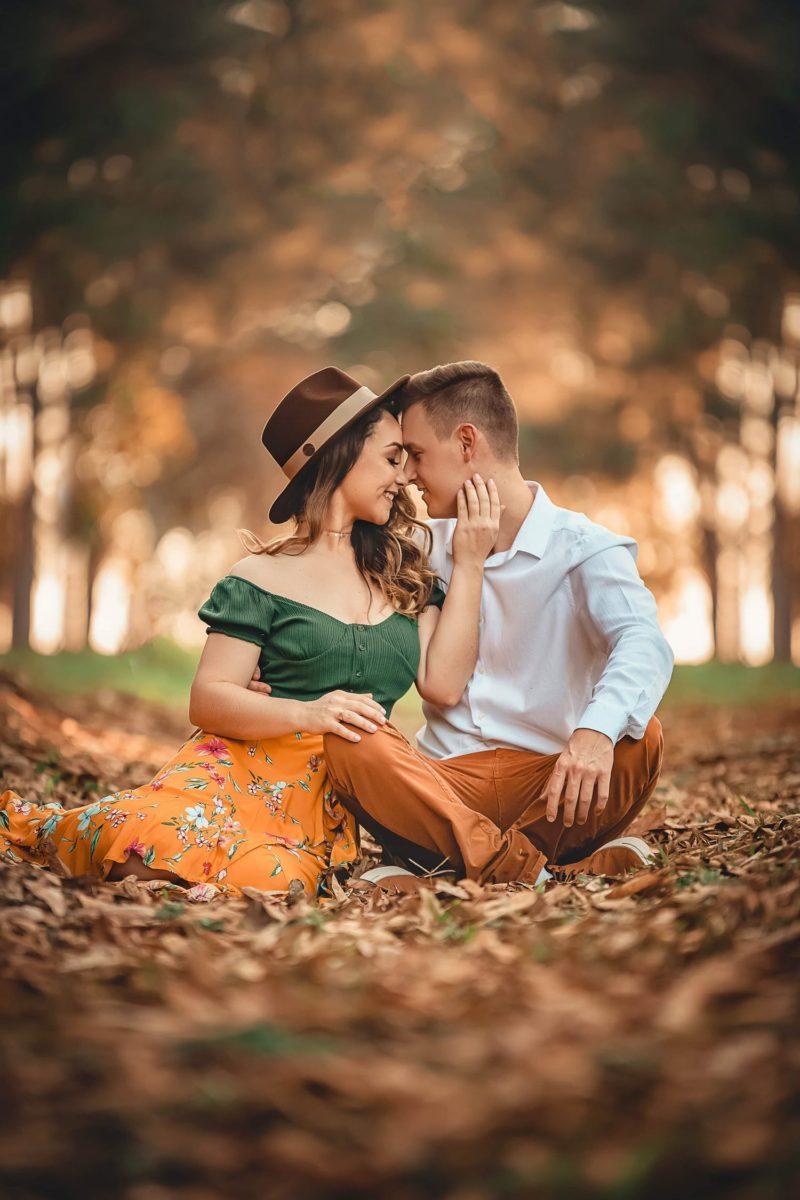 Küssende Pose