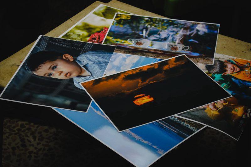 stapel mit bildern fuer stockfotografie