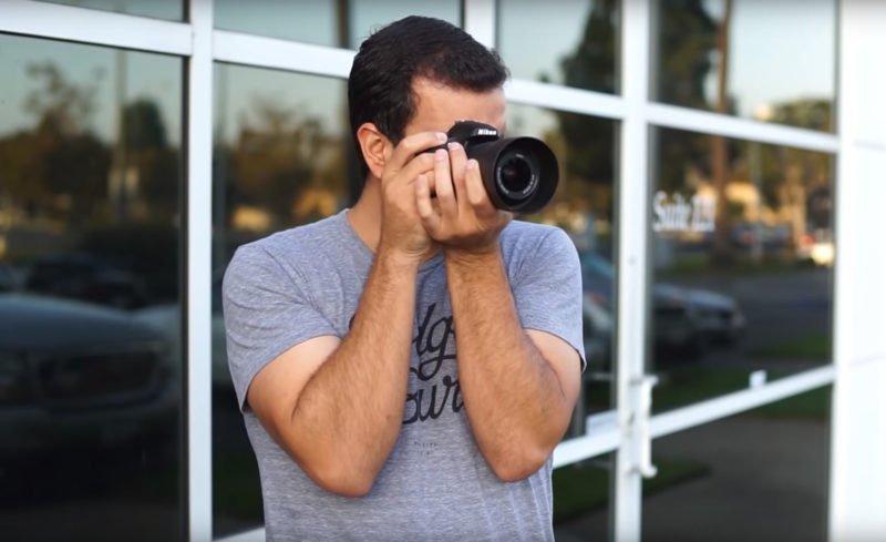 Kamera halten eng am Körper