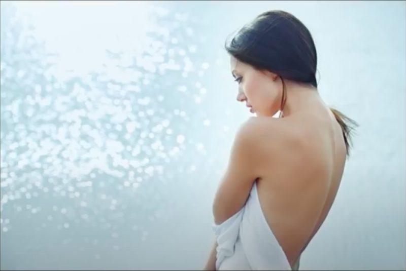 Farbfilter Frau mit Tuch