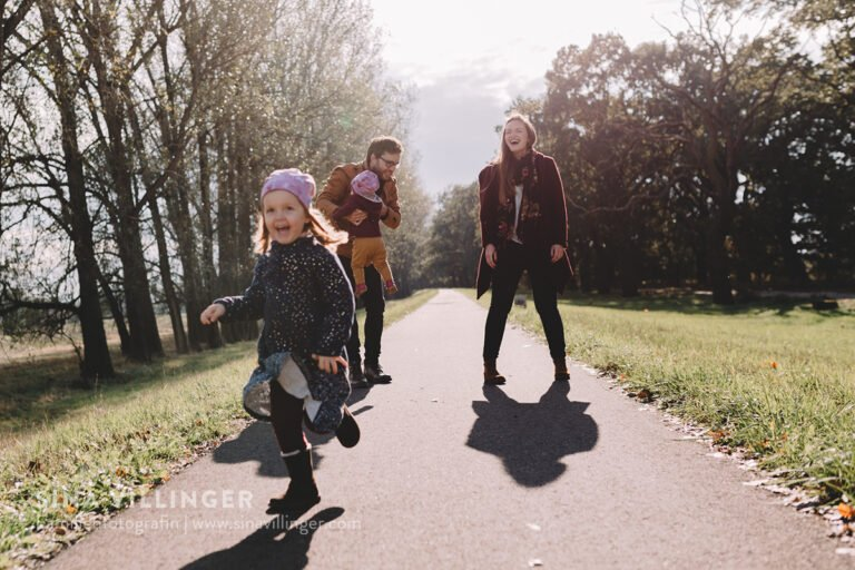 Ungestellte Familienfotos fotografieren