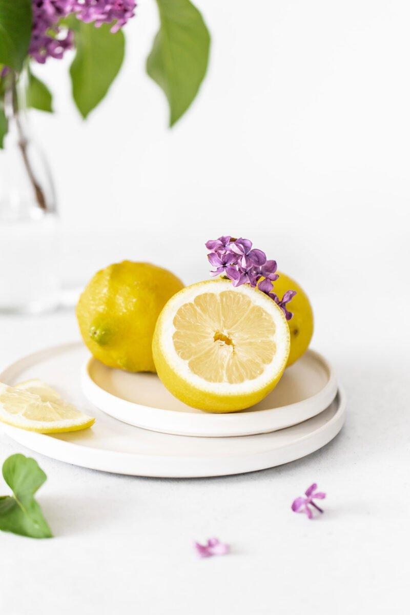High-Key Foodfotografie Zitronen