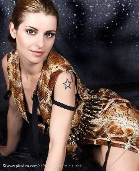 Stylist Effretikon Schweiz Visagistin Alisha   pixolum