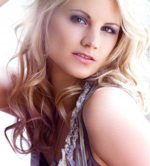 Model Claudia S