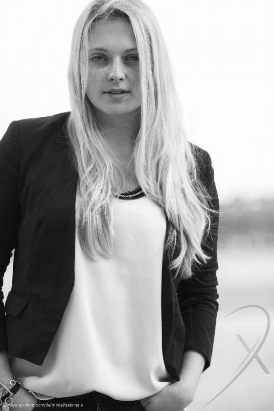 Model Deutschland Sabrina L | pixolum