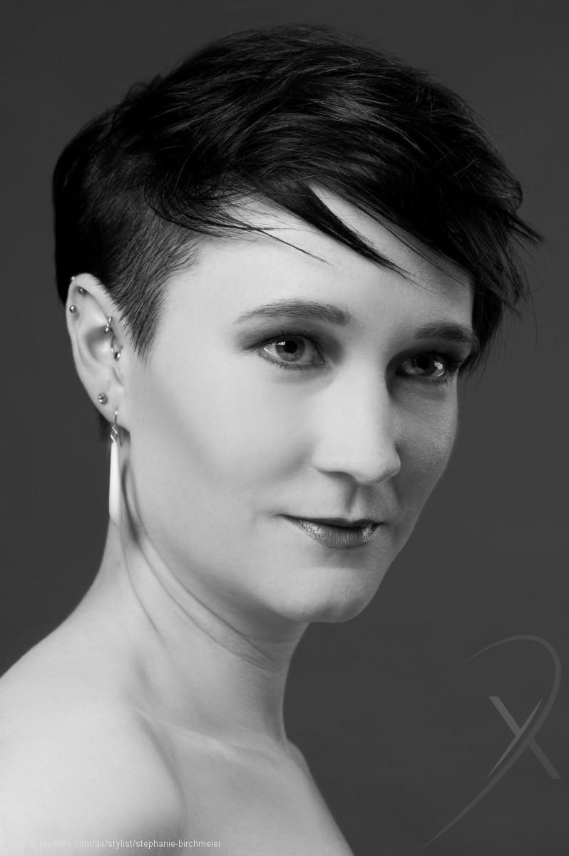 Stylist Loehningen Schweiz Stephanie Birchmeier | pixolum
