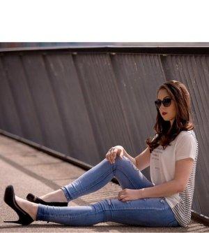 Model Debora F