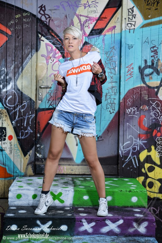 Model Schweiz Simone V | pixolum