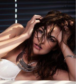 Model Livia R