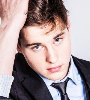 Model Andrej G