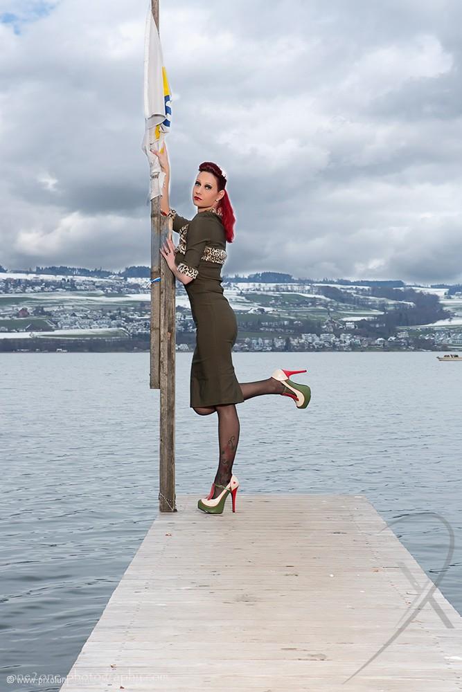 Model Schweiz Regina L | pixolum