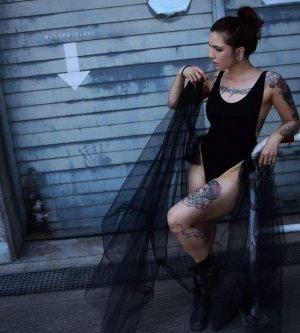Model Lea M
