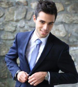 Model Dario H