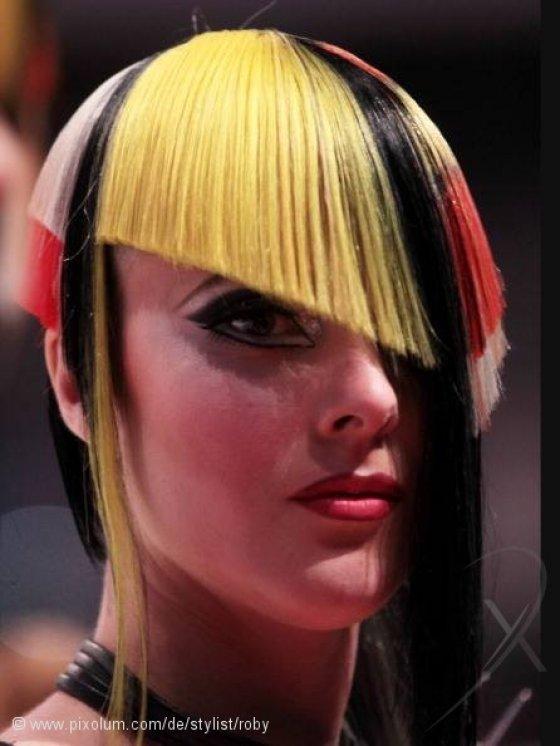 Stylist Opfikon Schweiz roby | pixolum