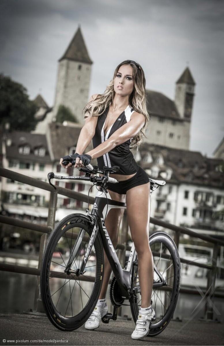 Model Schweiz Jennifer K | pixolum