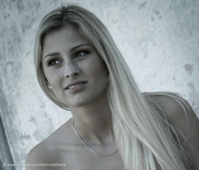 Model Schweiz Larissa M | pixolum