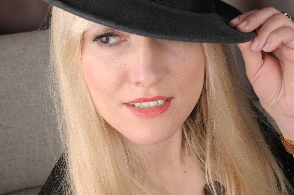 Model Deutschland Violetta Z | pixolum