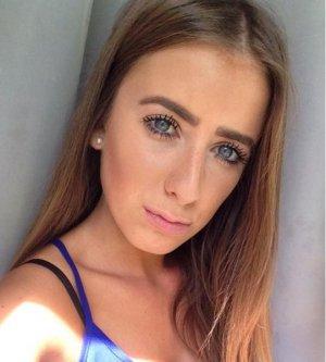Model Amina K