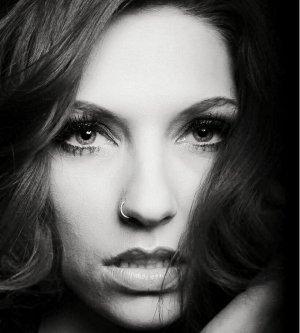 Model Felicia T
