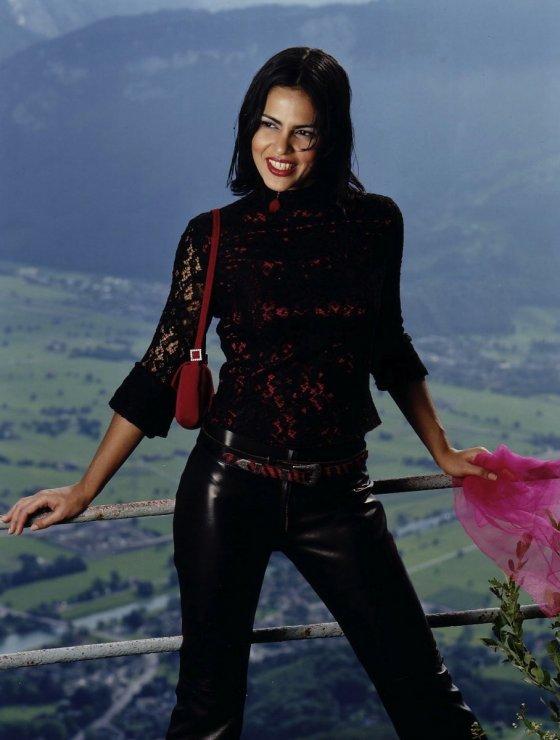 Model Schweiz Ana V | pixolum