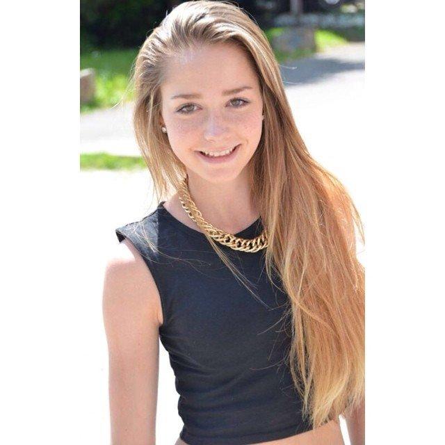 Model Schweiz Farrah M | pixolum