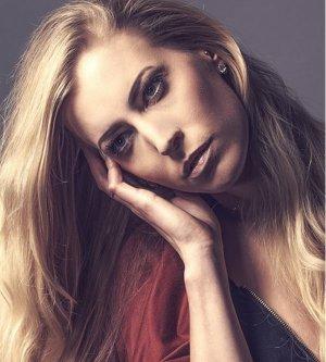 Model Daniela H