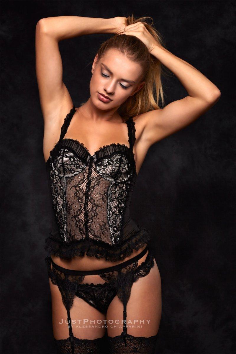 Model Schweiz Charis anna F   pixolum