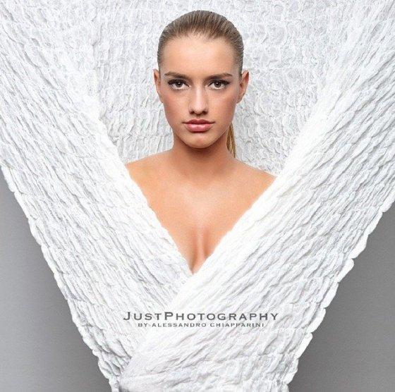 Model Schweiz Charis anna F | pixolum