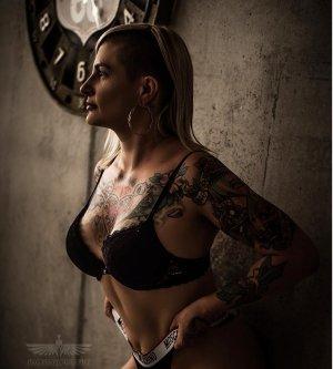 Model Melanie T