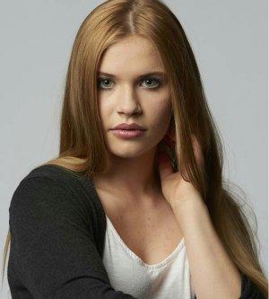Model Adina S