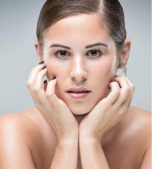 Model Nicole S