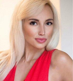 Model Natalie S