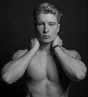Model Marc F