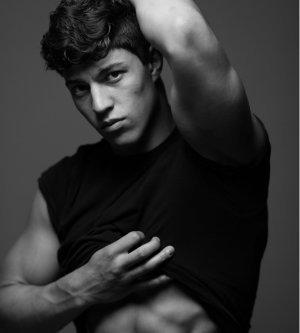 Model Maurice L