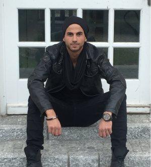 Model Gianluca R