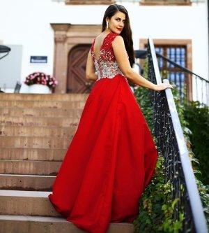 Model Katryn S