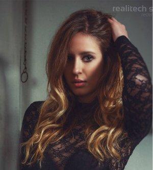 Model Nicole L