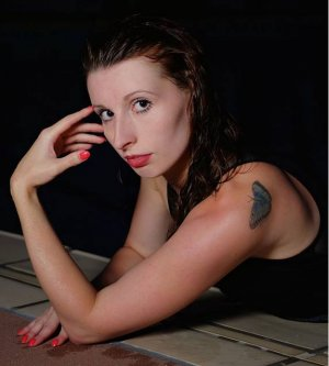 Model Alexandra S
