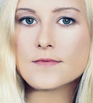 Model Rebecca S