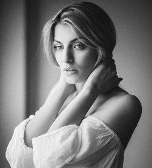 Model Natalie W