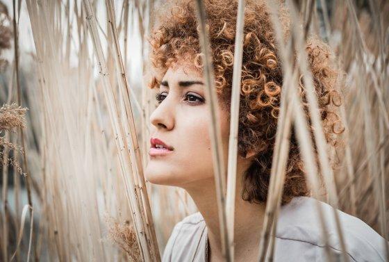 Model Eliza R