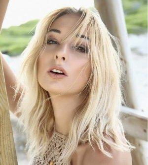 Model Julia Ul9