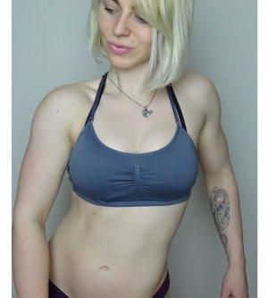 Model Julia B
