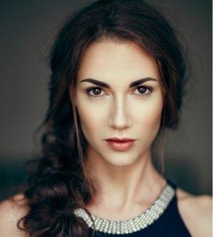 Model Lara V